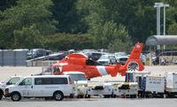 6522 @ KDCA - US Coast Guard at National - by Ronald Barker