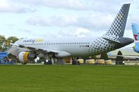 EC-ICQ @ EGBP - Ex Vueling Airlines 1991 Airbus A320-211, c/n: 199 at Kemble