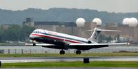 N437AA @ KDCA - Landing Natioanl - by Ronald Barker