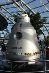 N502FB @ LOWS - Used from Felix Baumgartner for his jump from space on 14. October 2012