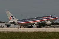 N14061 @ KMIA - American Airlines - by Triple777