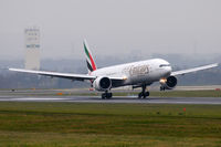 A6-EBC @ VIE - Emirates - by Chris Jilli