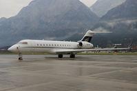 OE-IRP @ LOWI - Amira Air Global Express