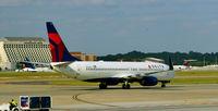 N3760C @ KATL - Taxi Atlanta - by Ronald Barker