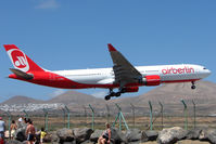 D-AERS @ GCRR - large landing aircraft give these beachgoers a good view of landings on 03 Runway at Arrecife