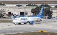 C-FTCZ @ KMCO - Boeing 737-800