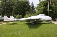 J-1068 @ EDTS - preserved - by olivier Cortot
