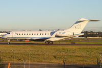 VH-LAW @ YSSY - taxiing to 34R - by Bill Mallinson