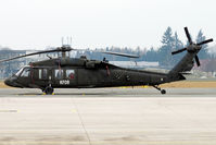 82-23722 @ LOWL - US Army Sikorsky UH-60A Black Hawk fuel stop in LOWL/LNZ - by Janos Palvoelgyi