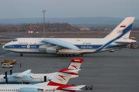 RA-82043 @ LOWW - Volga-Dnepr An-124 - by Thomas Ranner