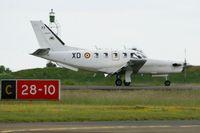 77 @ LFOC - Socata TBM-700A, Landing Rwy 28, Châteaudun Air Base 279 (LFOC) open day 2013 - by Yves-Q