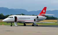 HB-IBH @ LSGG - Dassault Falcon 2000 [42] Geneva~HB 23/07/2004