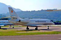 HB-IAW @ LSZA - Dassault Falcon 2000 [16] Lugano~HB-21/07/2004