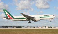 EI-ISA @ MIA - Alitalia 777-200