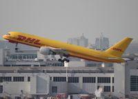 HP-2010DAE @ MIA - DHL Aero Expreso 757-200