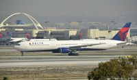 N837MH @ KLAX - Taxiing to gate at LAX