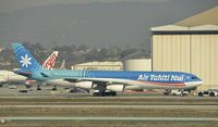 F-OLOV @ KLAX - Taxiing to gate at LAX