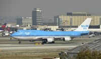 PH-BFP @ KLAX - Taxiing to gate at LAX