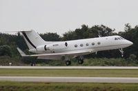 N19H @ ORL - Gulfstream III landing in strong crosswinds