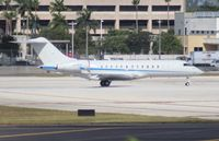 N44GX @ MIA - Global Express