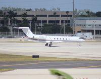 N313RG @ MIA - Gulfstream V