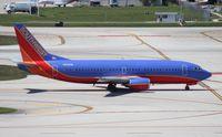 N323SW @ FLL - Southwest 737-300