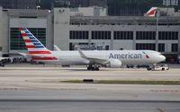 N383AN @ MIA - American 767-300