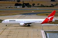 VH-OGK @ YMML - Boeing 767-338ER [25316] (QANTAS] Melbourne International~VH 20/03/2007