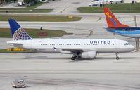 N447UA @ FLL - United A320