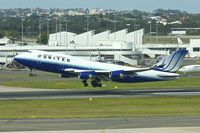N178UA @ YSSY - 1990 Boeing 747-422, c/n: 24385 at Sydney