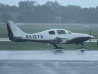 N512TS @ ORL - Columbia LC-41