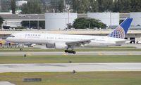 N573UA @ FLL - United 757-200