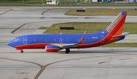 N616SW @ FLL - Southwest 737-300