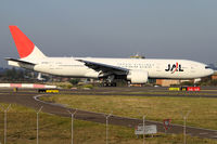 JA704J @ YSSY - down onto 34L from NRT - by Bill Mallinson