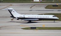 N801PN @ FLL - Global Express