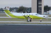 N812LP @ ORL - Pilatus PC-12/47E