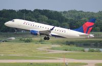N824MD @ DTW - Delta Connection E170