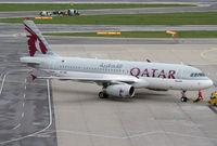 A7-AHT @ LOWW - Qatar A320 - by Thomas Ranner