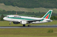 EI-IMC @ VIE - Alitalia - by Chris Jilli