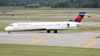 N916DN @ DTW - Delta MD-90