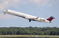 N916XJ @ DTW - Delta Connection CRJ-900