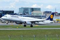 D-AISV @ VIE - Lufthansa - by Chris Jilli