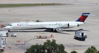 N922DX @ TPA - Delta MD-90