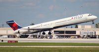 N923DN @ PBI - Delta MD-90