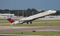N951DN @ TPA - Delta MD-90