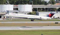 N980DL @ FLL - Delta MD-88