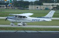 N1251D @ ORL - Cessna 182T
