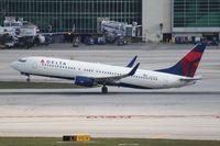 N3735D @ MIA - Delta 737-800