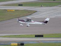 N6383C @ TPA - Cessna 182T