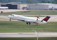 N8783E @ DTW - Delta Connection CRJ-200
